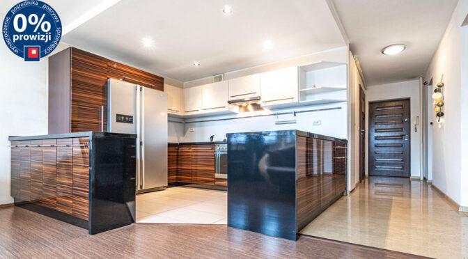 zaprojektowana zgodnie z najnowszymi trendami kuchnia w ekskluzywnym apartamencie na sprzedaż Katowice
