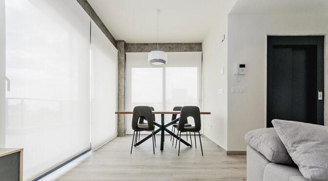 wykończone w minimalistycznym stylu wnętrze luksusowego apartamentu do sprzedaży Hiszpania