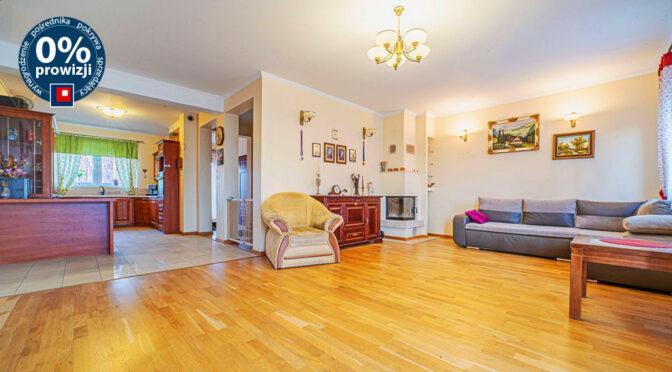 wytworny pokój dzienny w ekskluzywnej rezydencji na sprzedaż Bolesławiec