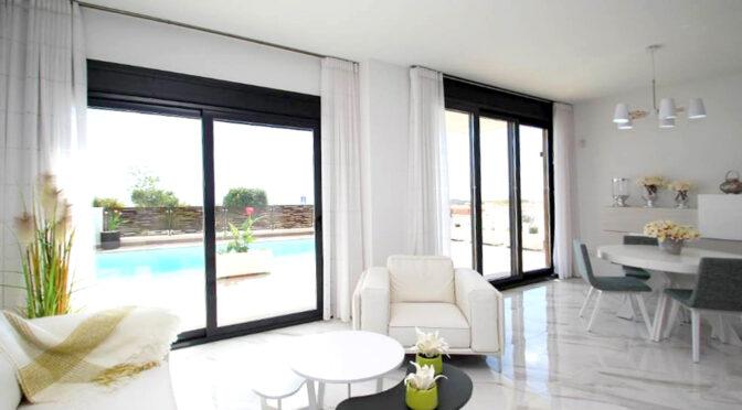 słoneczny pokój gościnny w luksusowej rezydencji na sprzedaż Hiszpania (San Miguel De Salinas)