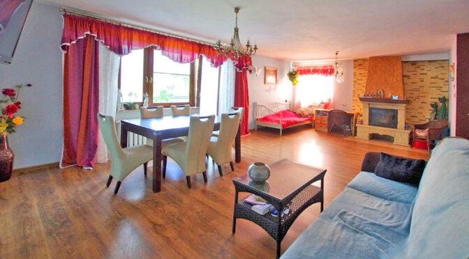 kameralny pokój dzienny w ekskluzywnej rezydencji na sprzedaż Legnica (okolice)