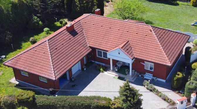 widok z lotu ptaka na luksusową rezydencję na sprzedaż Piotrków Trybunalski (okolice)