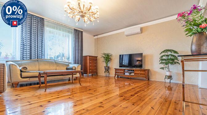 eleganckie wnętrze salonu w ekskluzywnej rezydencji do sprzedaży Katowice (okolice)