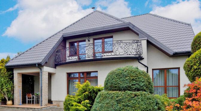 przepięknie ukwiecona działka wokół luksusowej rezydencji do sprzedaży Tarnów (okolice)