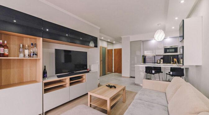 komfortowy pokój dzienny w luksusowym apartamencie do sprzedaży Szczecin