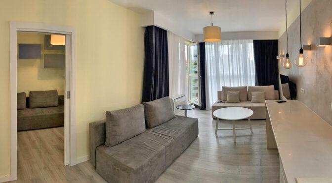 stylowo wykończony salon w ekskluzywnym apartamencie do sprzedaży Wrocław