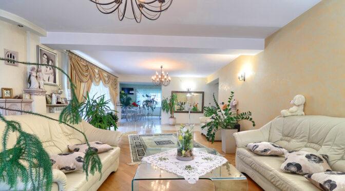 elegancki salon w luksusowej rezydencji na sprzedaż Częstochowa