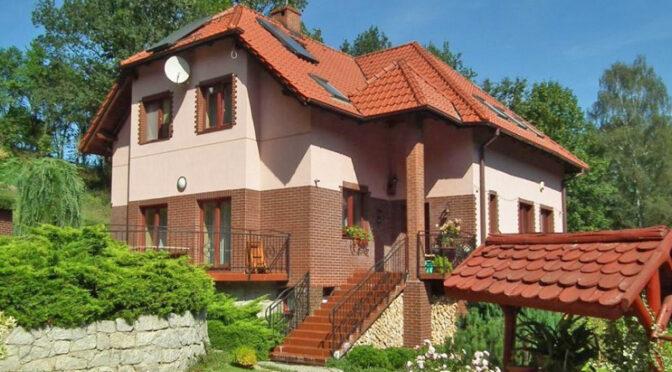 imponująca bryła luksusowej rezydencji na sprzedaż Legnica (okolice)