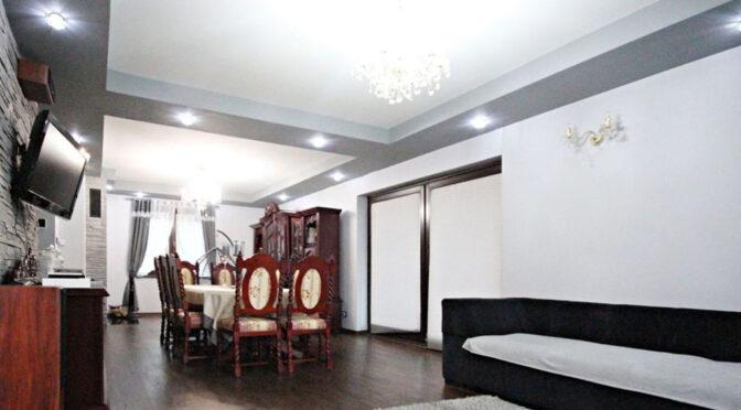 stylowy salon i jadalnia w ekskluzywnej rezydencji do sprzedaży Szczecin (okolice)