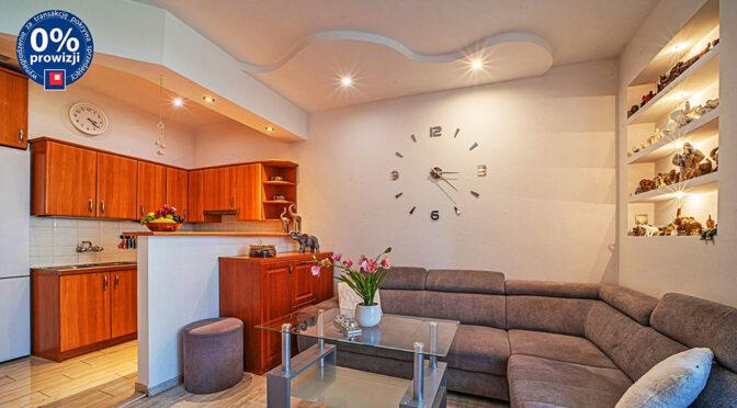nowoczesne oświetlenie salonu w luksusowym apartamencie na sprzedaż Bolesławiec