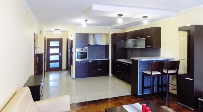 salon i pokój dzienny w luksusowym apartamencie do sprzedaży Ełk