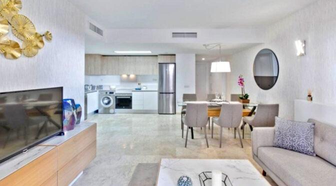 śródziemnomorski styl aranżacji wnętrza ekskluzywnego apartamentu do sprzedaży Hiszpania (Punta Prima)