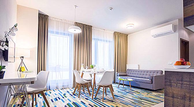 wytworny pokój gościnny w luksusowym apartamencie do sprzedaży Kołobrzeg