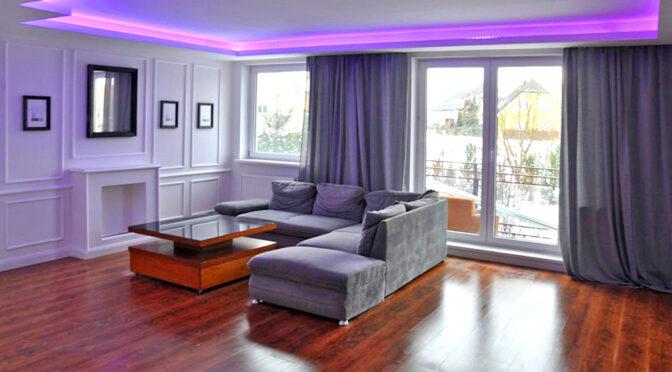 efektowne oświetlenie salonu w luksusowym apartamencie do sprzedaży Pruszcz Gdański