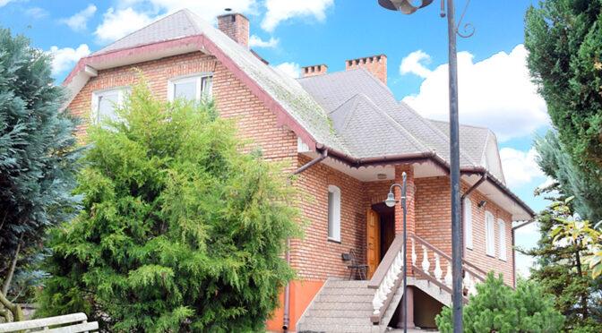 okazała bryła ekskluzywnej rezydencji na sprzedaż Kalisz (okolice)